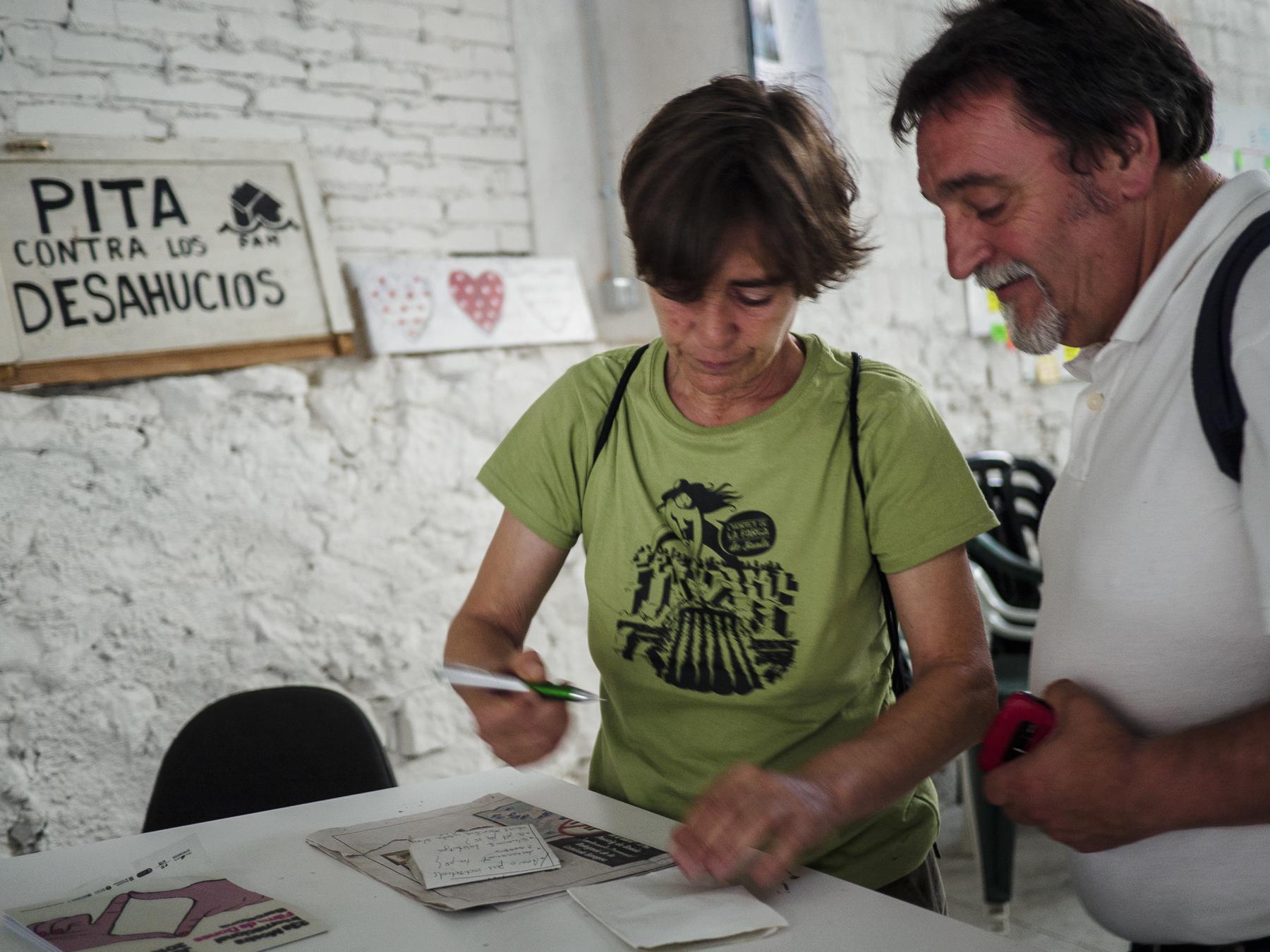 Matías en la sede de la PAH en barcelona