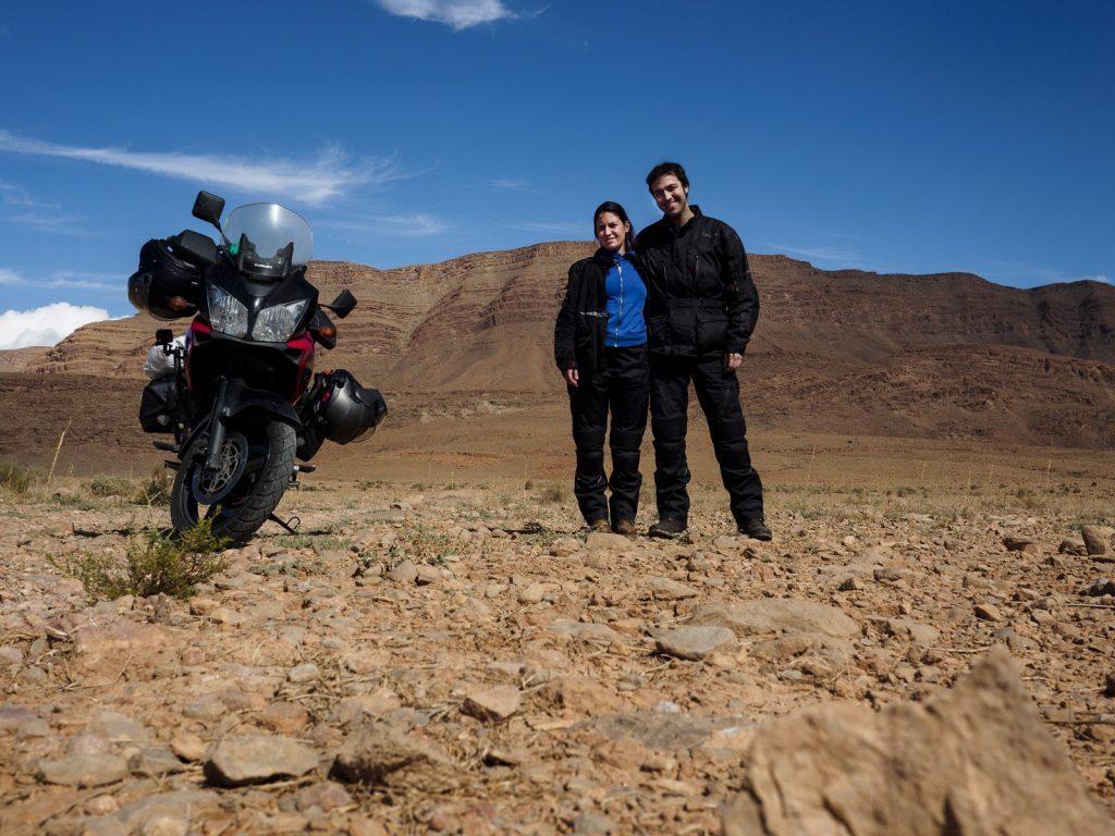 Salimos de la carretera para hacer algunas fotos sobre la tierra.