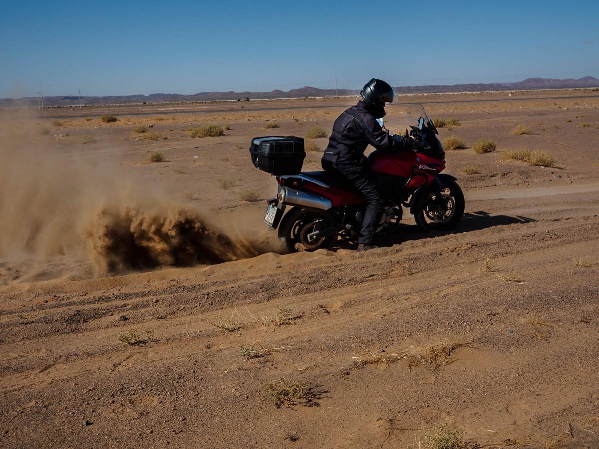 El hotel a pie de las dunas sólo es accesible a través de la arena.