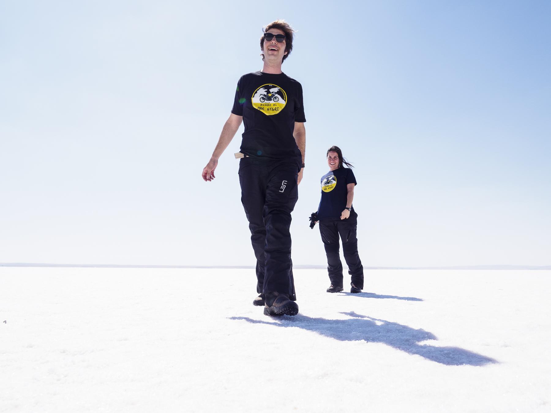 Lago Tuz seco y cubierto de sal, camino de Capadoccia.